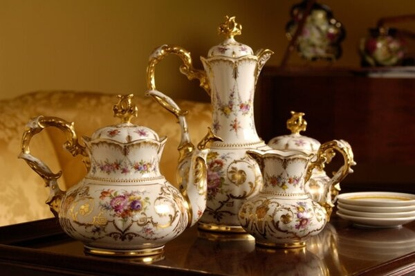Storing Valuable Items Keep Antiques Collectibles Treasures Safe During Your Move